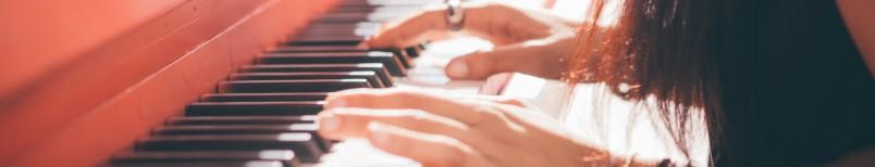 Zeit für Dein Klavier - Aktuelle Hits und bekannte Lieder für Klavier einfach Solo und Gesang